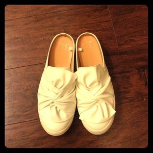 Top twist knot casual slip ons